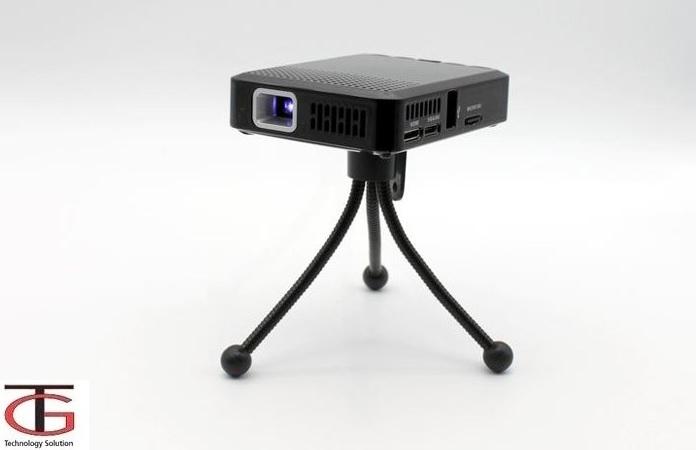 מקרן כיס עוצמתי HD עם סוללה נטענת ושלט רחוק